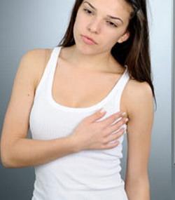 dolor de pecho localizado